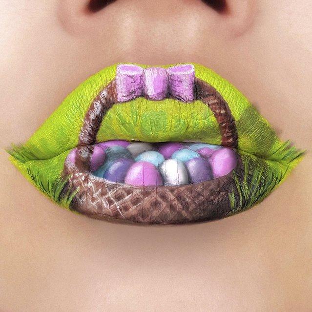 Произведения, созданные губной помадой (18 фото)