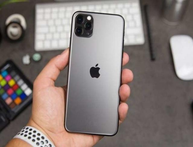 Топ-5 телефонов 2019 года