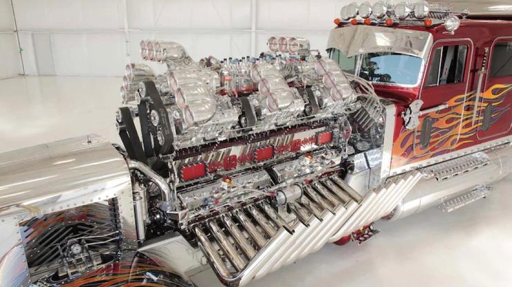 3500-сильный тягач с 27,9-литровым двигателем (21 фото)
