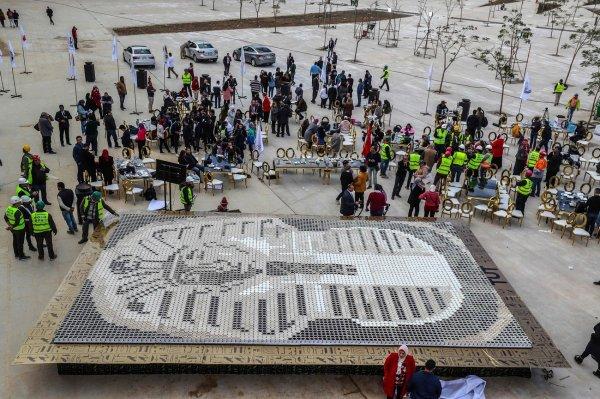 В Египте установили очень странный рекорд Гиннеса (4 фото)