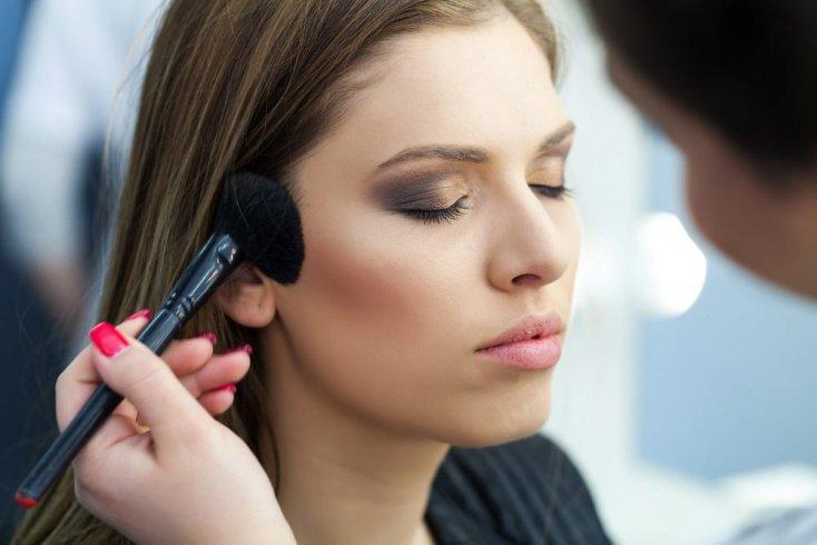 10 любопытных фактов о макияже и косметике