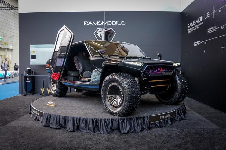 Гипервнедорожник Ramsmobile за 109 миллионов с гусеницей и кальяном