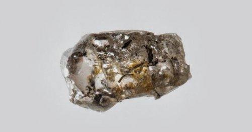 10 удивительных находок, обнаруженные внутри алмазов