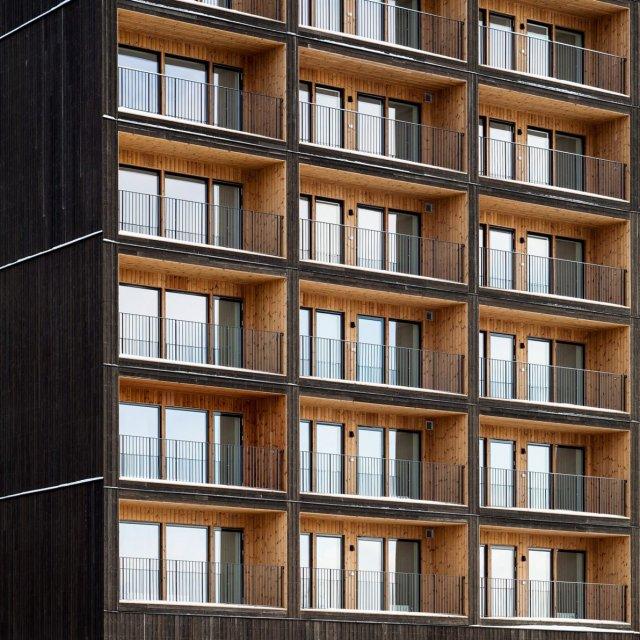 В Швеции построили самое высокое деревянное здание в стране (6 фото)