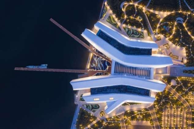 В Китае открылся первый морской музей, часть которого «уходит» в залив на 42 метра