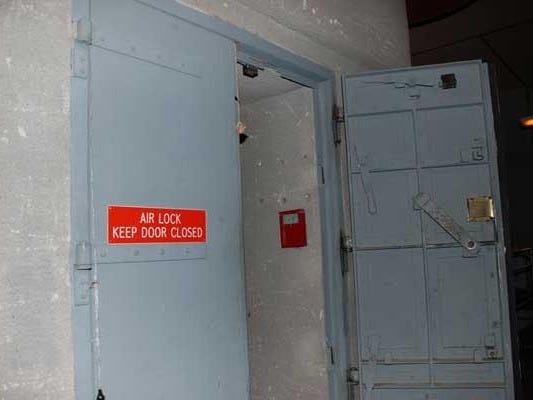 Британец получил в наследство небольшой домик, под которым оказался секретный ядерный бункер