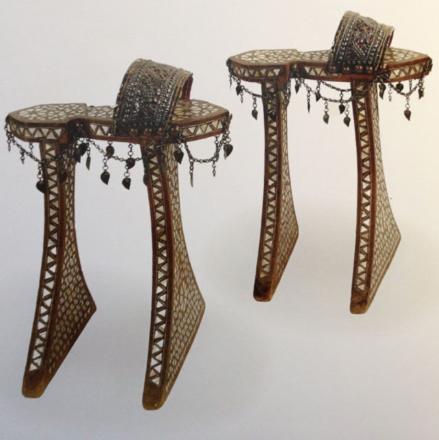 Шопены:  причудливые туфли на платформе 16-го века были вызовом даже для самых смелых модниц