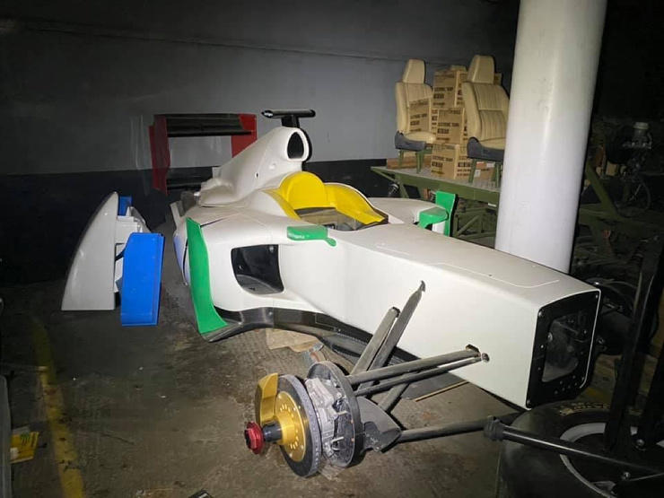 Редкие суперкары стоимостью £30 млн найдены пылящимися в заброшенном подземном гараже (16 фото,видео)