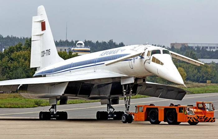 Почему советский сверхзвуковой лайнер Ту-144 списали в утиль