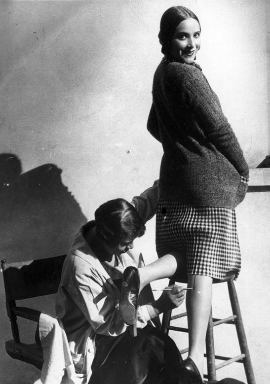 14 необычных вещей, которые женщины делали в прошлом просто ради красоты (14 фото)