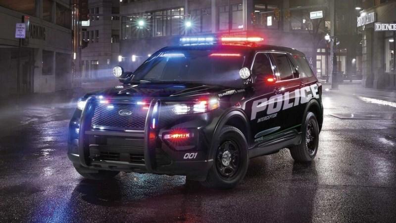 10 самых крутых полицейских машин в мире